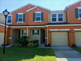 5124 Family Friendly 4 Bedroom close to Disney in Orlando Area