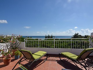 Per's Coco Beach Penthouse with spectacular sea view!