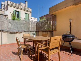 Central 2 bed with terrace near Sagrada Familia, Barcelona