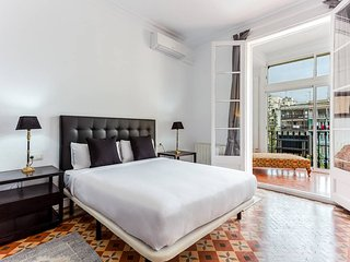 MODERNIST charming flat at Eixample