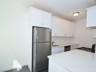 Modern Apartment by Subway, 10 Min to Manhattan!, Woodside