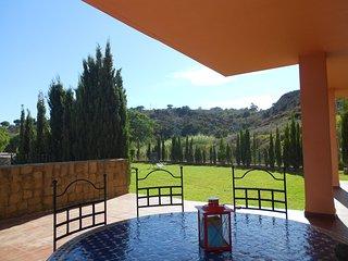 Costa del Sol, Sotogrande, apartamento lujo, jardín privado, wifi, tv sat