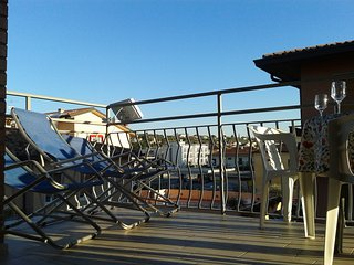 IRENE APARTMENT BARDOLINO CENTER & BEACH FULL OPTIONAL FREE WIFI, BEST LOCATION.