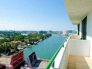 Spectacular Studio with a Balcony in Miami Beach