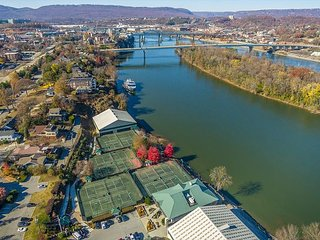 Chattanooga vacation rentals 'River Lights' Downtown Condo