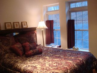 Lakefront, Gated, Game Table, Jacuzzi Sleeps 20-24, In Saw Creek Estates, Skiing