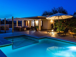 Luxurious 7 Bedroom Villa Sleeps 14-18 Guests - 10 mins to Ibiza Town