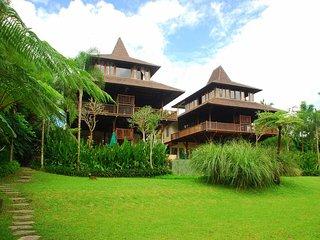 Villa Atas Awan, Buahan