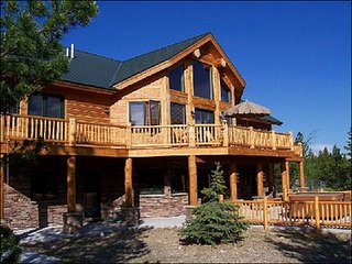 Little Wolf Retreat, Quiet Location, High End Property