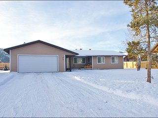 Sage Home 132, Nicely Updated Property, Convenient Location
