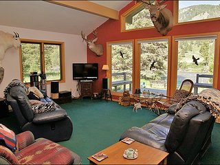 Gallatin Riverfront Home, Located Directly on the Gallatin River