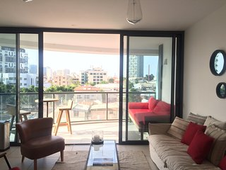 Sea View Modern 3 Bedroom, Tel Aviv