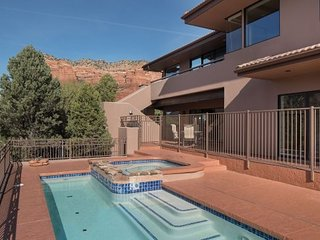 Gorgeous Home With Private Pool and Hot Tub with Spectacular Views of Bellrock Mountain! - Bellrock Beauty S057, Village of Oak Creek
