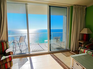 Oceanfront 2.5br/3ba/9ppl Condo! Next To Pier Park! Awesome Views, Amenities!