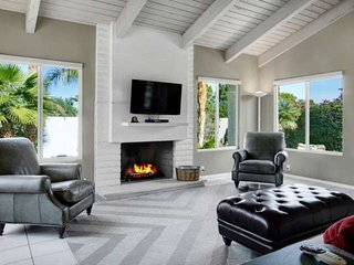 Unwind in Palm Desert Elegance! Private Home with sprawling South facing patio, pool, and spa