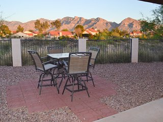 Breathtaking views, comfortable 2 bedroom home in Oro Valley