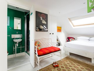 onefinestay - Eastbury Grove private home, Londra