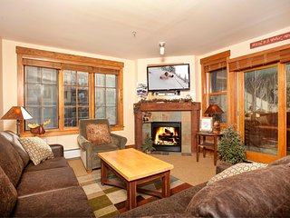 Premium 2Br Condo that you can walk to lifts, Kids Ski Free! ~ RA134202, Keystone