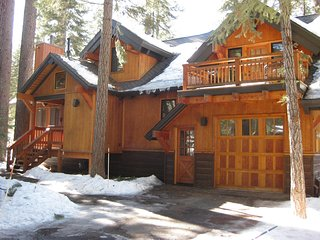 Spacious Mountain Home: 3Br,3Ba, 2100 Sqft, Sleeps 10 ~ RA134222, Truckee