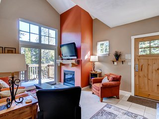 Stay Here & Kids Ski Free! 3Br Townhome at the Seasons. ~ RA134238, Keystone