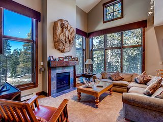 Stay & Kids Ski Free! Gorgeous 4Br Townhome at the Seasons ~ RA134228, Keystone