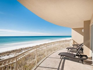 Stunning Beach Front Spacious Condo!  FREE Parasailing!