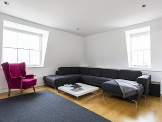onefinestay - King Street V private home, Londra