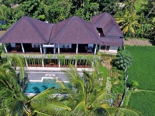 4 bedroom, 5 bathroom private villa with pool in Ubud