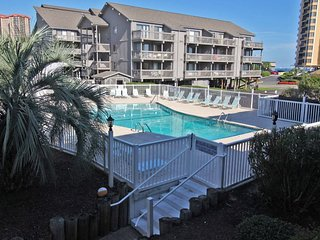 Great 2 Bed 2 Bath Across the street from Beach. D-105