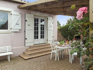 Villa facing the sea in Frontignan with 3 bedrooms, garden  terrace (and visit of Sète's canals by boat)