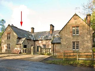 GARDENER'S COTTAGE, stone cottage with woodburner, near stream and castle, in Chillingham near Chatton, Ref 942932
