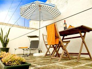 Historic apartment in Ostuni, Puglia, with rooftop terrace & splendid view across the Madurai Hills