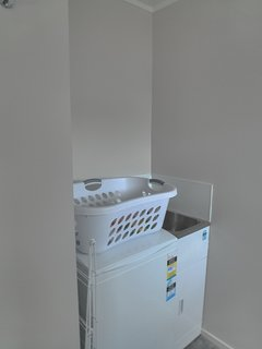 Laundry with small tub and washing machine