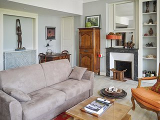 Luxurious, 2-bedroom duplex apartment in classical Saumur city center!