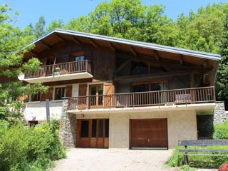 Chalet Tioli - Access to the best resorts in the French Alps