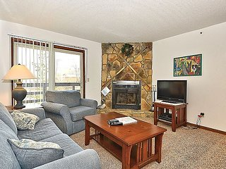 HWD204 condo is just steps away from the ski lift and lodge.