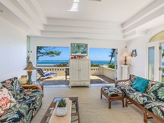 """HEAVENLY BEACH HOME"", ENJOY OCEANFRONT LIVING, SPRING STAY SPECIALS!"