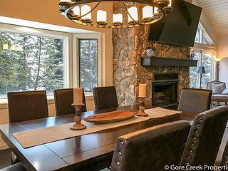 Spectacular recently remodeled 5 Bedroom Matterhorn home, Vail