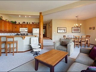 Amazing Golf Course Views | Beautiful Furnishings and Large Picturesque Windows