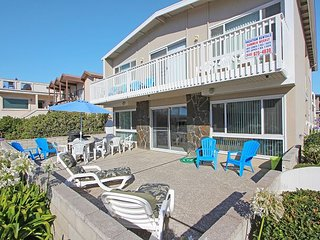 Steps to the Sand Large Private Patio With Beach View Lower Unit With Parking, Newport Beach