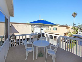 Steps From Sand Shopping & Restaurants - 4 Bedroom Ocean View Balcony (68251), Newport Beach