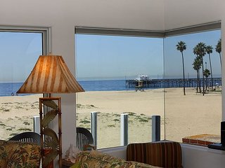 Ocean Front Upper Unit, Amazing View of Balboa Pier, Private Balcony