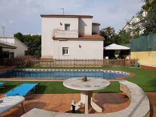 VILLA ASUN, casa con piscina en la Costa Dorada, El Vendrell