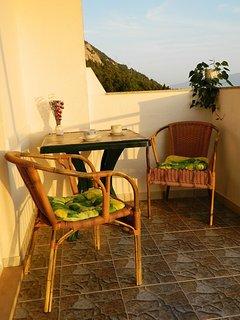 A1(2+1): terrace