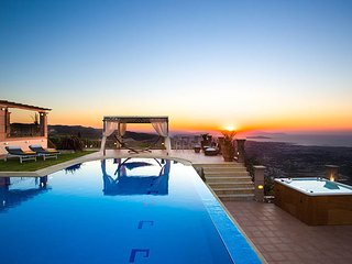 Golden Hill Seaview Villa, Malaxa Chania