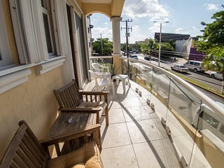 Right on the main avenue! 3BR condo. Close to everything in Cozumel!