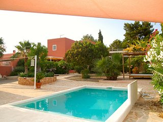 KM 5 Excellent location  3 bedroom villa garden pool BBQ close to Ibiza town