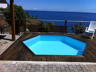 """SEALINE VILLA"" - WIFI, BBQ, SEA VIEW, Arco da Calheta"