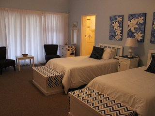 Smuts Ave. Guest Rooms (The blue room), Hermanus
