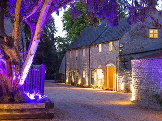 Coach Cottage - Self Catering Holiday Cottage, Peterborough